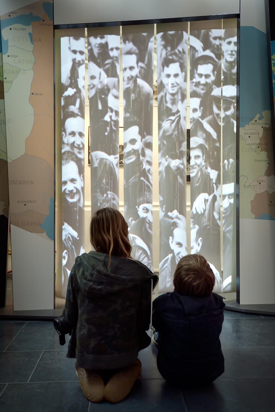 Reizende tentoonstelling flappen projectie